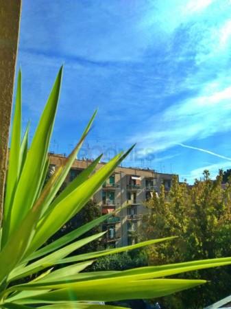 Appartamento in vendita a Roma, Lucio Sestio, 85 mq