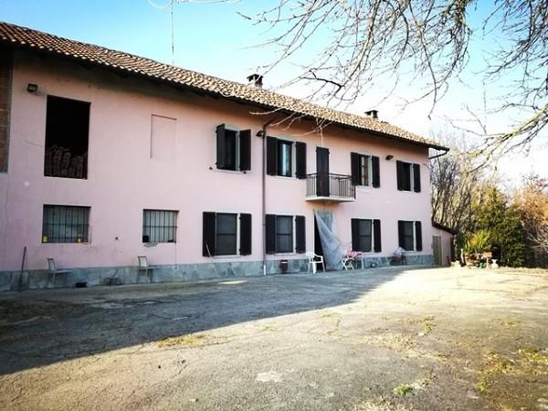 Rustico/Casale in vendita a Asti, Revignano, Con giardino, 399 mq