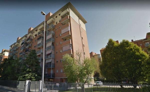 Appartamento in vendita a Venaria Reale, Con giardino, 80 mq