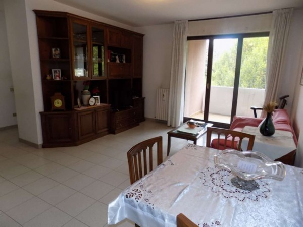 Appartamento in vendita a Senago, 96 mq