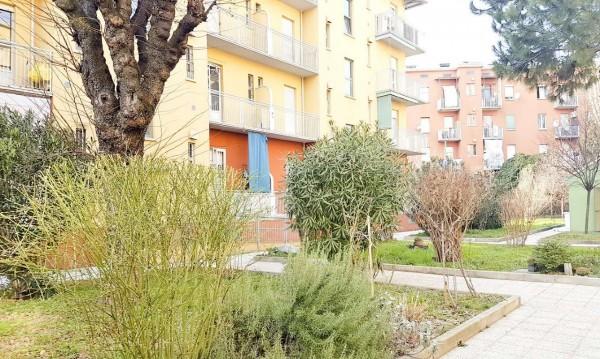 Appartamento in vendita a Milano, Lorenteggio, 75 mq