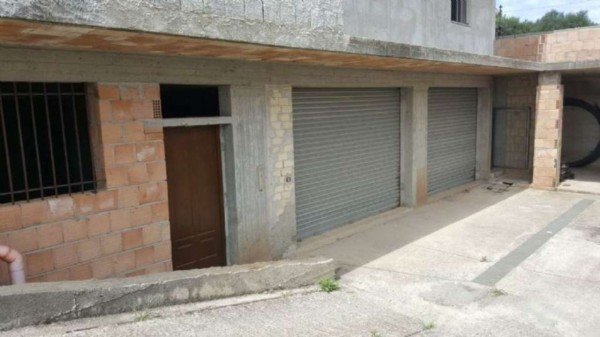 Locale Commerciale  in affitto a Vibo Valentia, 200 mq