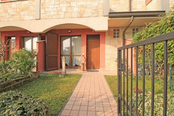 Villetta a schiera in vendita a Fara Gera d'Adda, Residenziale, Con giardino, 147 mq