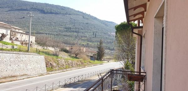 Casa indipendente in affitto a Trevi, Pigge, Con giardino, 180 mq