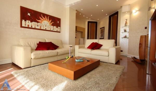 Appartamento in vendita a Taranto, Borgo, 78 mq