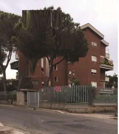 Appartamento in vendita a Roma, 108 mq