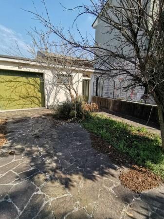 Casa indipendente in vendita a Crema, Residenziale, Con giardino, 184 mq