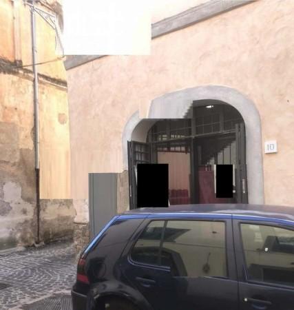 Locale Commerciale  in vendita a Velletri, 70 mq