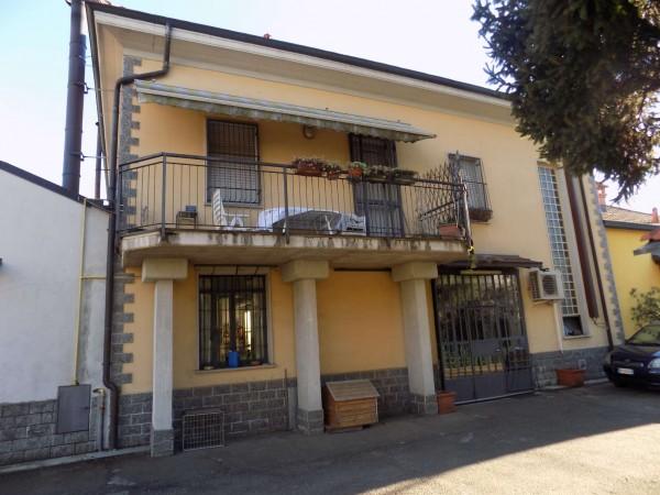 Casa indipendente in vendita a Paderno Dugnano, Con giardino, 387 mq