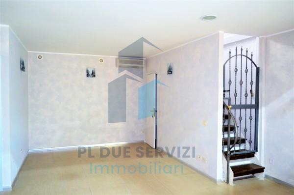 Locale Commerciale  in affitto a Marino, Santa Maria Delle Mole, 80 mq - Foto 3