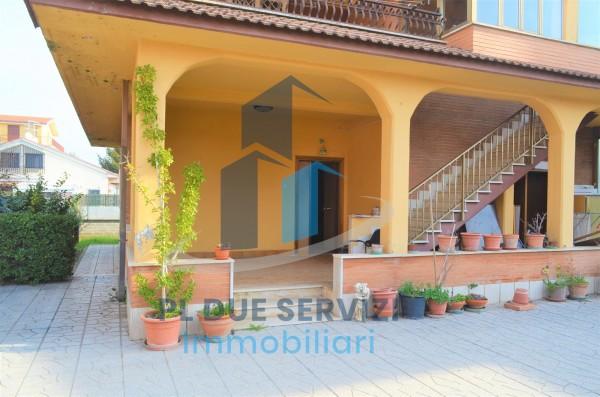 Casa indipendente in vendita a Roma, Anagnina, Con giardino, 90 mq
