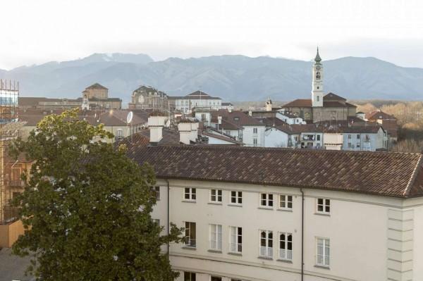 Appartamento in vendita a Venaria Reale, Centro, 75 mq