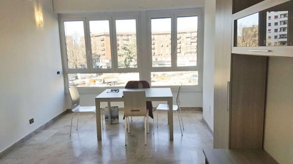 Appartamento in affitto a Milano, Lorenteggio, Arredato, 70 mq