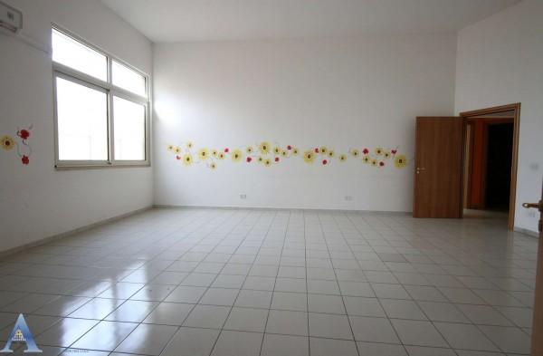 Locale Commerciale  in affitto a Taranto, Lama, Con giardino, 370 mq - Foto 12