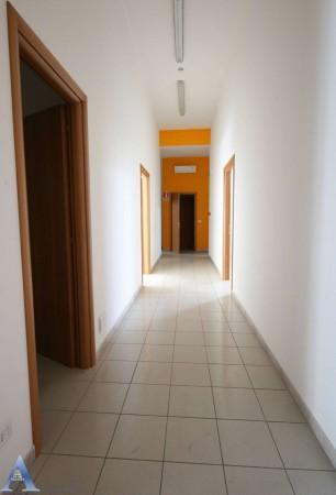 Locale Commerciale  in affitto a Taranto, Lama, Con giardino, 370 mq - Foto 11