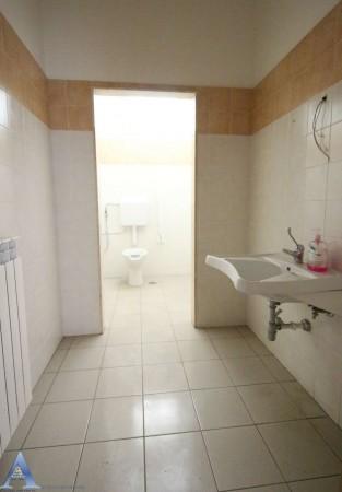 Locale Commerciale  in affitto a Taranto, Lama, Con giardino, 370 mq - Foto 6