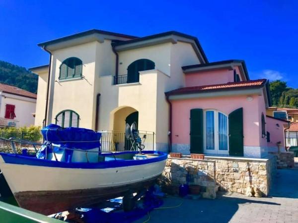 Villa in vendita a Ameglia, Con giardino, 200 mq