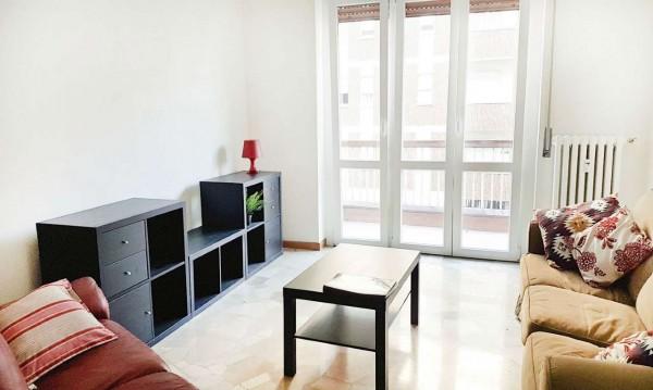 Appartamento in affitto a Milano, Isola, Arredato, 75 mq
