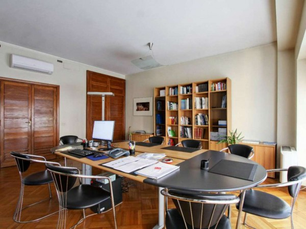 Ufficio in affitto a Roma, Barberini, 130 mq