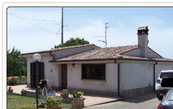 Casa indipendente in vendita a Ariccia, 73 mq