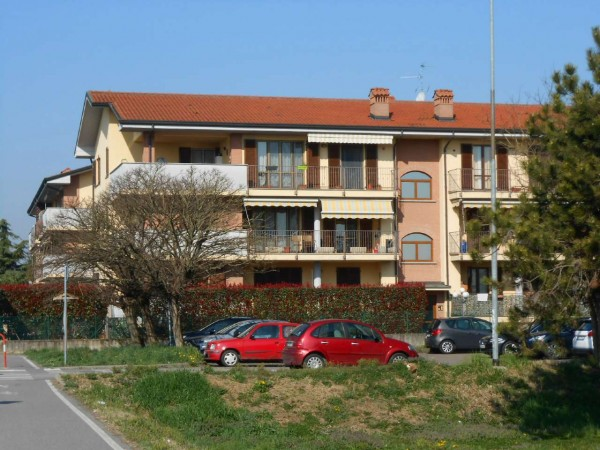 Appartamento in vendita a Spino d'Adda, Residenziale, 60 mq