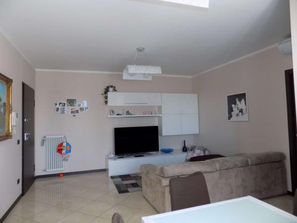 Appartamento in vendita a Limbiate, Villaggio Giovi, 82 mq