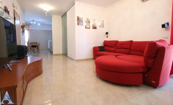 Appartamento in vendita a Taranto, Lama, 110 mq