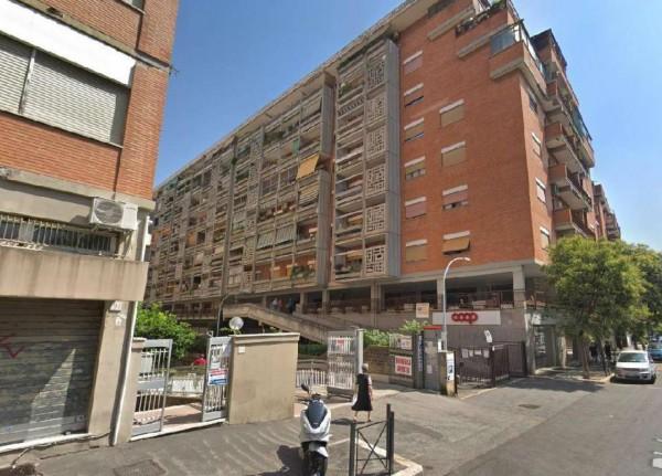 Appartamento in vendita a Roma, Serenissima, 45 mq