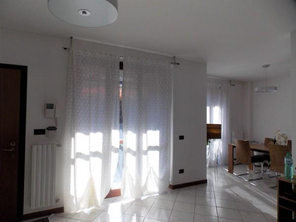 Villetta a schiera in vendita a Rozzano, Valleambrosia Via Monte Pollino, Con giardino, 130 mq