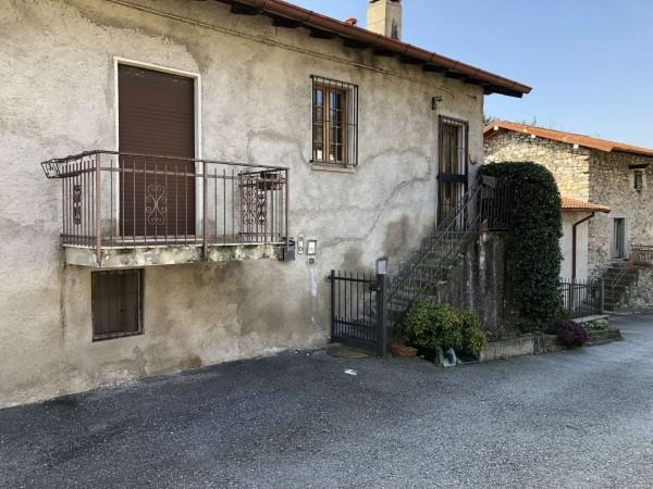 Casa indipendente in vendita a Cittiglio, Con giardino, 200 mq