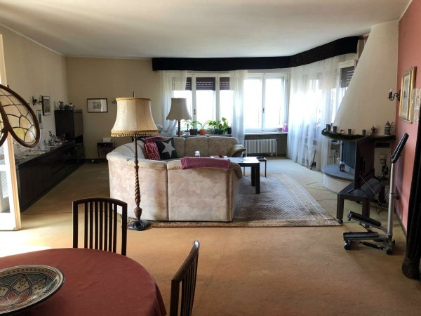 Villa in vendita a Brebbia, Con giardino, 350 mq