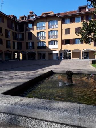 Appartamento in vendita a Garbagnate Milanese, Centro, 100 mq