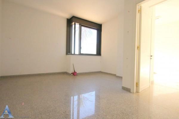 Ufficio in vendita a Taranto, Rione Italia, Montegranaro, 209 mq - Foto 19