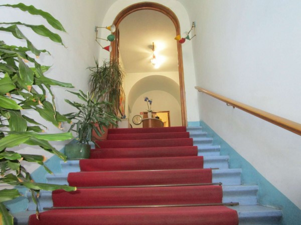 Casa indipendente in vendita a Firenze, Con giardino, 289 mq