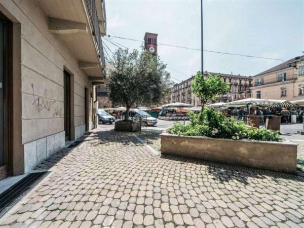 Locale Commerciale  in vendita a Torino, 140 mq