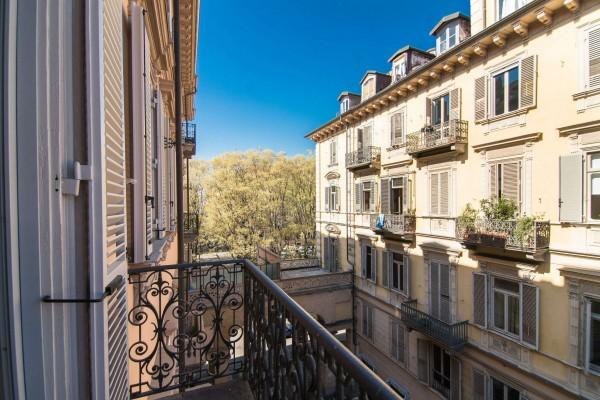 Appartamento in affitto a Torino, 150 mq - Foto 2
