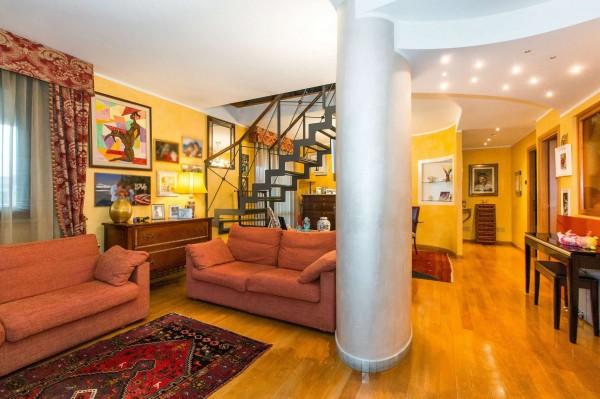 Appartamento in vendita a Torino, Con giardino, 200 mq
