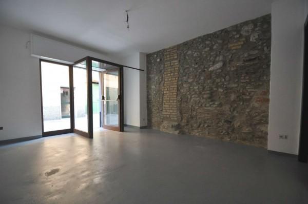 Negozio in affitto a Genova, Sestri Ponente, 30 mq