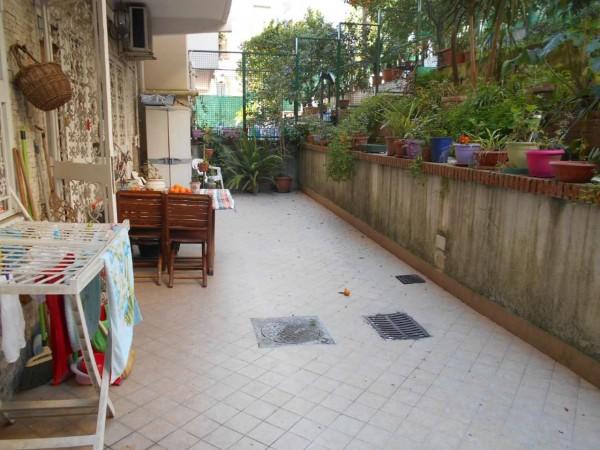 Appartamento in vendita a Napoli, Con giardino, 85 mq