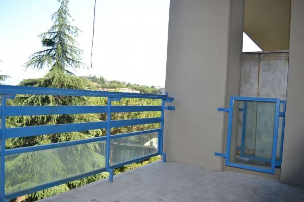 Appartamento in affitto a Roma, Mostacciano, Con giardino, 65 mq