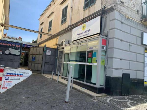 Locale Commerciale  in vendita a Sant'Anastasia, Centrale, 40 mq
