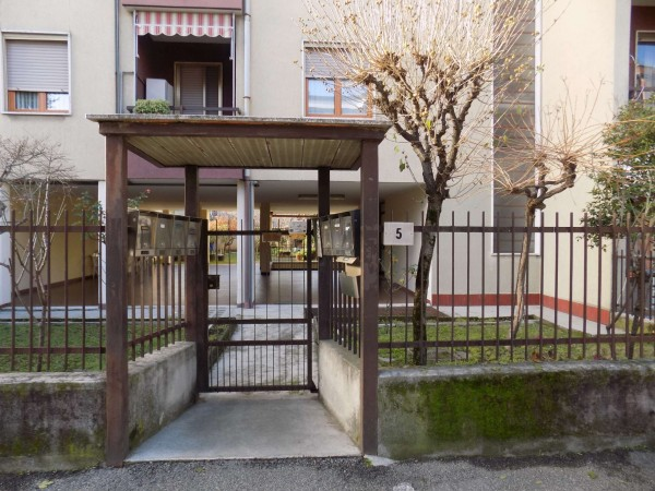 Appartamento in vendita a Senago, 103 mq