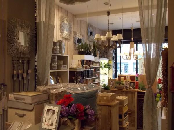 Locale Commerciale  in vendita a Milano, 50 mq - Foto 2
