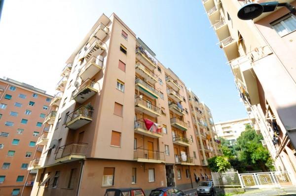 Appartamento in vendita a Genova, Sestri Ponente, 40 mq
