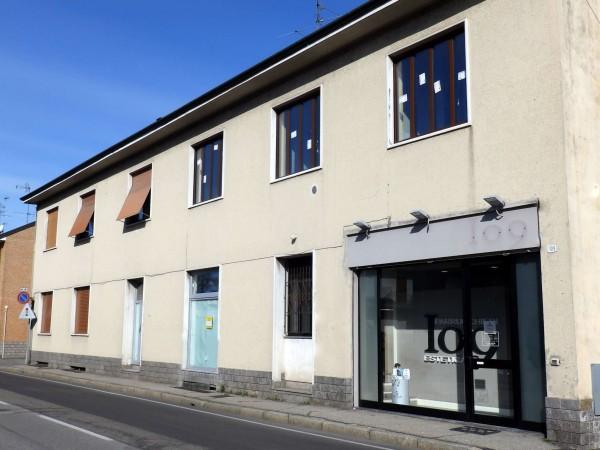 Appartamento in vendita a Cesano Maderno, San Carlo, Con giardino, 88 mq