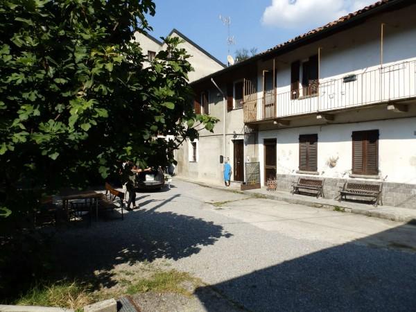 Casa indipendente in vendita a Verano Brianza, Parco Del Lambro, Con giardino, 140 mq