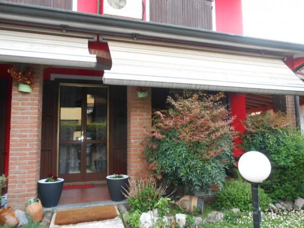 Villa in vendita a Chieve, Residenziale, Con giardino, 224 mq
