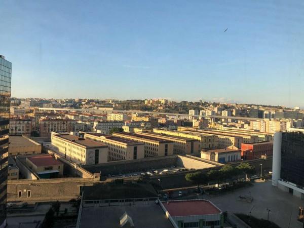 Appartamento in vendita a Napoli, 75 mq