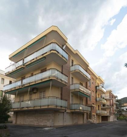 Appartamento in vendita a Pietra Ligure, 60 mq