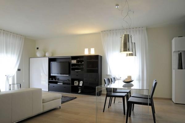 Villa in vendita a Laveno-Mombello, Con giardino, 270 mq - Foto 1